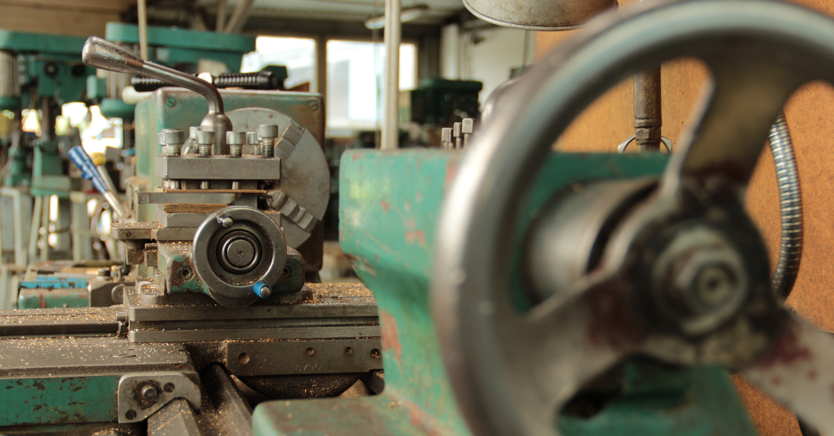 What Is A Full Size Lathe?